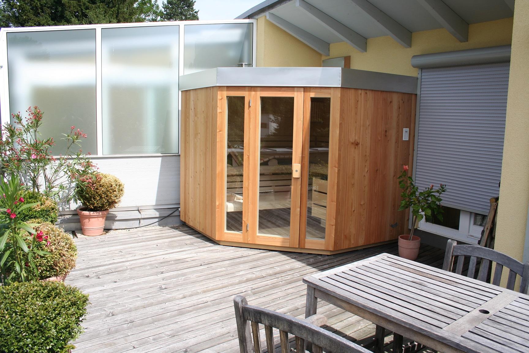 aussensauna modern free moderne gartensauna aussensauna saunahaus gartenhaus with aussensauna. Black Bedroom Furniture Sets. Home Design Ideas