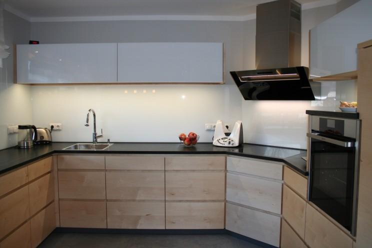 Küche mit Ahornfronten