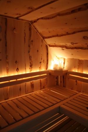 Sauna in dachschräge mit Zirbel rustikal